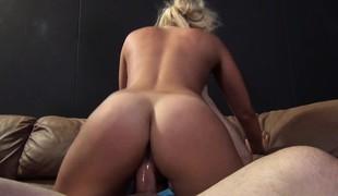 virkelighet blonde vakker sædsprut fingring ass