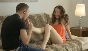 tenåring anal babe vakker kyssing blowjob kjæresten ridning ass små pupper