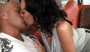 brunette milf store pupper blowjob sædsprut facial ridning cowgirl rimjob sucking