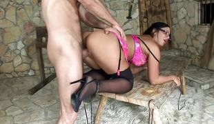 Hot Angelica Heart receives her snatch nailed