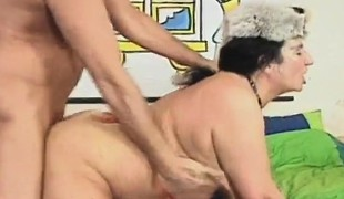 brunette blowjob moden hårete bbw doggystyle