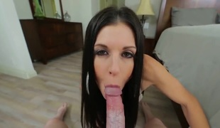 Brunette India Summer sucks like it aint no thing in blow job action with hawt blooded guy