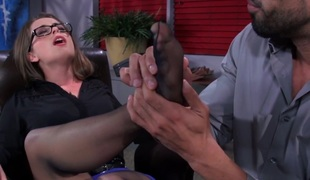 Chic sweetheart facefucked after toesucking