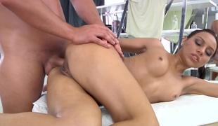 brunette søt massasje ass fitte