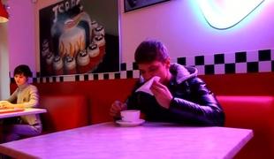 amatør tenåring hardcore blowjob russisk jeans
