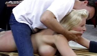 blonde store pupper blowjob sædsprut fetish piercing