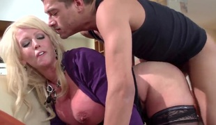 Huge ass blonde is getting permeated