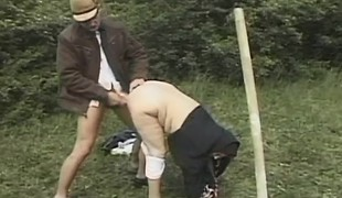 brunette utendørs store pupper ass doggystyle