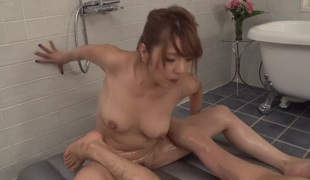 Milf is good on her way to make hard dicked guy bust a nut in hardcore action