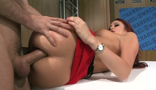 Monique Alexander is a redhead with an anal fixation. That babe likes it when fellows worship her a-hole with their dicks. Mr. Deen does not leave her wanting after this scene is over.