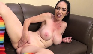 Voluptuous dark brown Bella Maree surrenders her peach to a hard prick