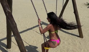 rype brunette stor rumpe blowjob ass tatovering latina braziliansk bikini perfekt