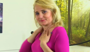Isabella Diana in Masturbation Video - AuntJudys