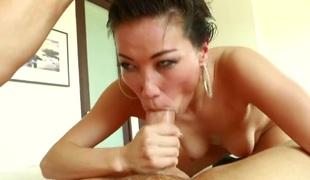 Kalina Ryu milks Clovers love torpedo with her hawt lips