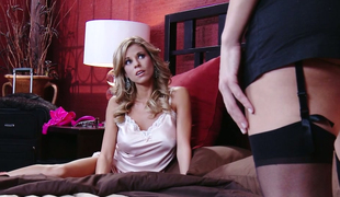 Playful lesbo bitch Nicole Graves makes love with her beautiful GF