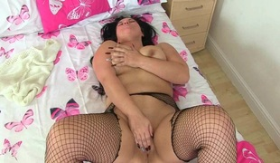 British milfs Louise Bassett and Jessica Jay finger fuck