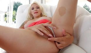 Ass Traffic gives proper anal treatment for Liz