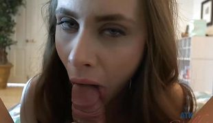 synspunkt brunette blowjob lingerie handjob foot fetish