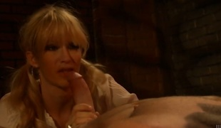 Saucy chick jessica drake cant live a day without taking sturdy rod in her mouth