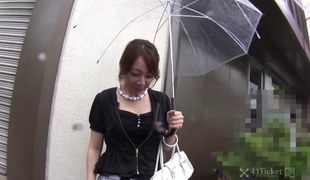Ryo Akanishi Gives Head in Car -Uncensored JAV-