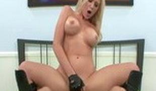 blonde store pupper blowjob sædsprut cunnilingus
