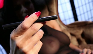 puppene brunette store pupper pornostjerne ass dildo fitte solo