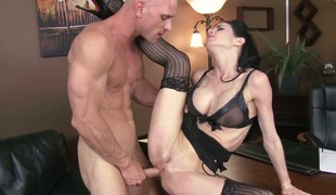 Johnny Sins likes fuck hungry Veronica Avluvs amazing body and fucks her mouth as hard as possible
