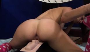 virkelighet barbert brunette vakker hardcore blowjob onani sædsprut fingring ass