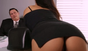Aria Alexander fucks attractive boss in the office