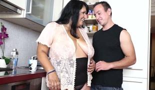 anal kyssing store pupper blowjob sædsprut facial husmor handjob bbw fitte slikking