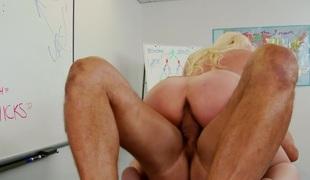 penger blonde milf store pupper pornostjerne blowjob strømper ridning mamma moden