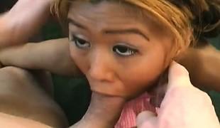 synspunkt blowjob facial fingring små pupper interracial asiatisk handjob