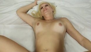 British gal is hot in a virtual fuck scene