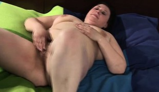 Massive mature mom playing with her h Iesha from 1fuckdatecom