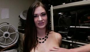 brunette stor rumpe hardcore pornostjerne blowjob facial ass handjob barmfager knulling